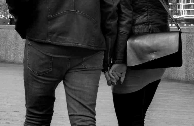relationship hand in hand
